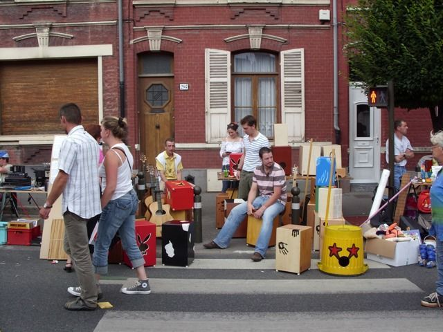 Une rederie :Avenue Foy à Amiens le 29/6/2008